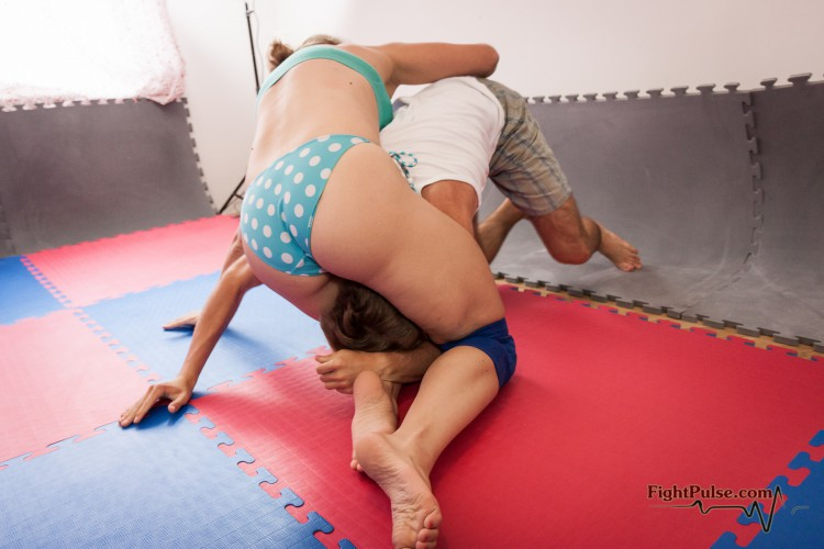 Viktoria mixed wrestling