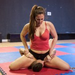 FightPulse-MX-62-Laila-vs-Andreas-pin-until-submission-2463