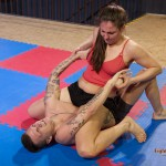 FightPulse-MX-62-Laila-vs-Andreas-pin-until-submission-2499