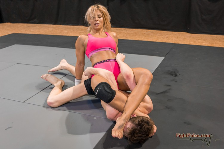 FightPulse-MX-140-Sheena-vs-Viktor-339