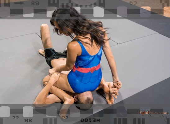 FightPulse-NC-159-Giselle-vs-Frank-smother-onslaught-039